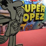 Fotogalería: Exposición «SuperLópez xJan» en el 36 Salón Internacional del Cómic de Barcelona